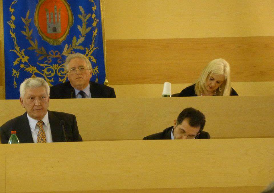 Penne: approvato il bilancio 2014. Evangelista e D'Angelo salutano Rocco D'Alfonso