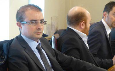 PETTINARI VUOLE VEDERCI CHIARO Il nuovo San Massimo: l'esponente dei 5 Stelle chiede le carte