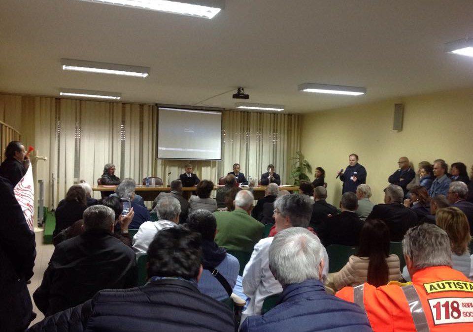San Massimo: Paolucci contestato, D'Alfonso assente. L'ospedale rimane senza futuro