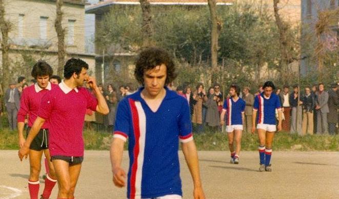 IL SUO PENNE DA ROMANZO Mister Colangelo. L'esordio a 16 anni con doppietta. Il no all'Inter. I successi, le liti, gli addii. Così Enzo Di Federico rivede i suoi venti tornei
