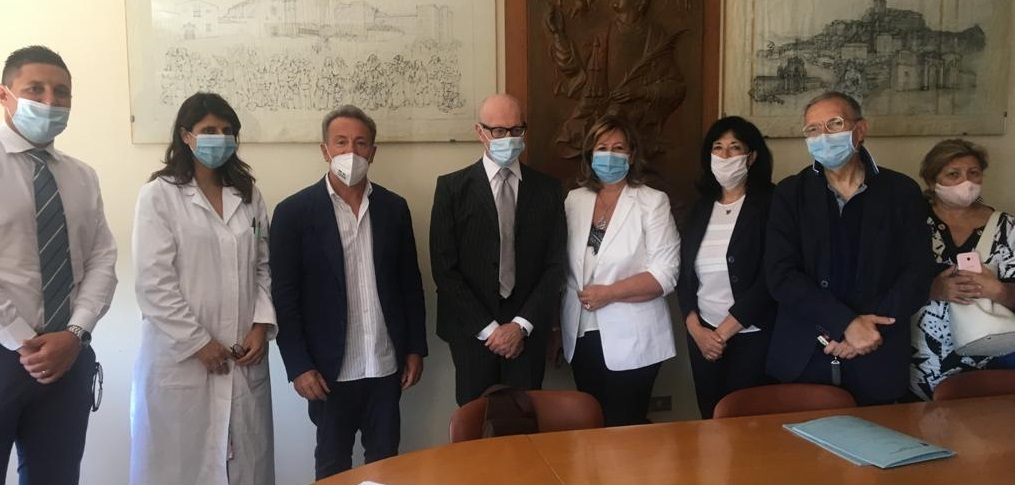 PENNE: CIAMPONI E LA VERI' AL SAN MASSIMO Nuove assunzioni ed un ruolo strategico del presidio nella rete sanitaria pescarese
