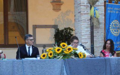 IL ROTARY PREMIA CHI HA SOSTENUTO L'INIZIATIVA DELLA RACCOLTA FONDI PER L'OSPEDALE DI PENNE Lino Pace nuovo presidente dell'associazione rotariana