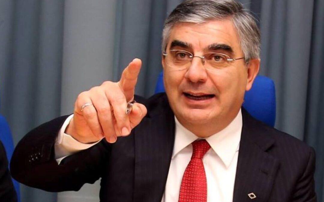 PER PENNE D'ALFONSO SCEGLIE PASQUALONE Per il senatore Luciano D'Alfonso sarà luiil regista della rinascita del centrosinistra pennese