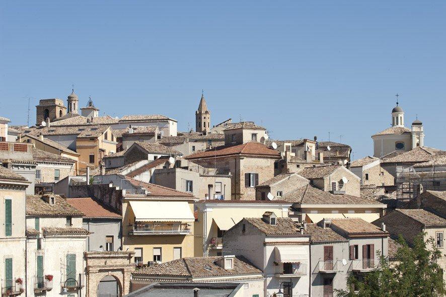 L'AMMINISTRAZIONE COMUNALE TUTELA IL SUO CENTRO STORICO  Approvato il nuovo regolamento edilizio a Città Sant'Angelo