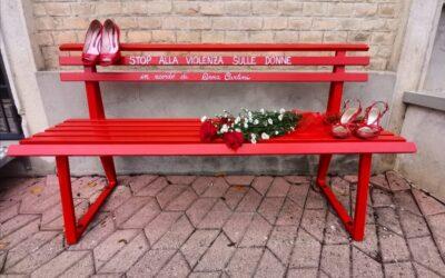 LORETO APRUTINO: INTITOLATA AD ANNA CARLINI LA PACHINA ROSSA, SIMBOLO DELLE VITTIME DELLA VIOLENZA