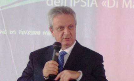 LE SCUOLE? NON BISOGNA RIAPRIRLE  Il segretario regionale dello Snals- Abruzzo, Carlo Frascari contro la scelta di riportare i ragazzi nelle aule