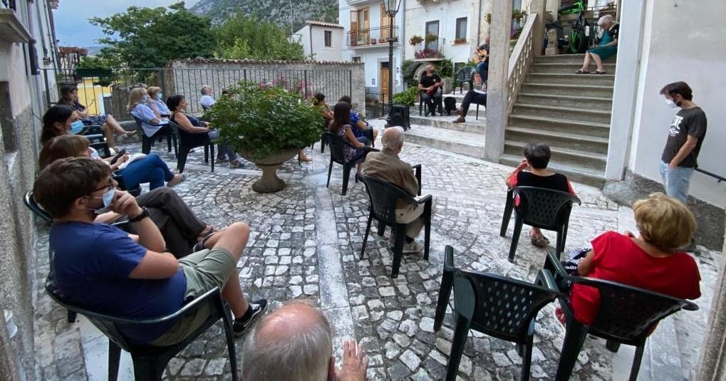 RACCOLTA FONDI PER SALVARE UN BORGO  Festival dell'entroterra a San Benedetto in Perillis (Aq)  Testimoni Donatella Di Pietrantonio e Remo Rapino