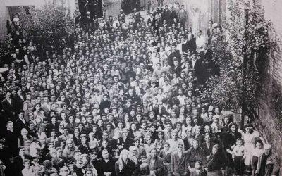 PENNE: 1950, UNA FOTO SCATTATA DALLA FINESTRA DELLA CHIESA DI SAN GIOVANNI  Ci aiutate a ricostruirne la storia?